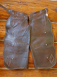 GrizzlyClawTradingCo-leather-chaps